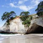 cathedral-cove-nz-13.jpg