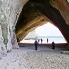 cathedral-cove-nz-14.jpg